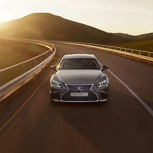 Lexus LS craftsmanship with emotional design