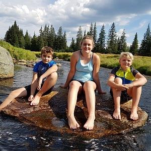 Amatérský plavec má tři děti, chlapci jdou v otcových šlépějích.