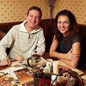 Při právě vznikajícím rozhovoru v oblíbené restauraci