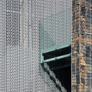 Trapezoid-patterened perforated sheet metal