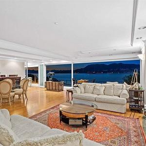 Obývací pokoj, Angell Hasman & Associates Realty