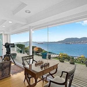 Dům ve Vancouveru, Angell Hasman & Associates Realty