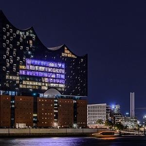 Elbphilharmonie v noci