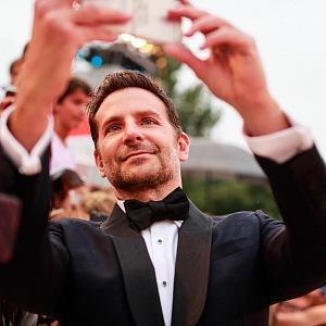 Herec a režisér Bradley Cooper představil svůj film Zrodila se hvězda.
