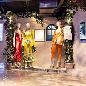 V muzeu na vás čekají luxusní outfity