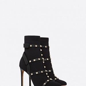 Neodolatelné kotníkové boty Valentino.