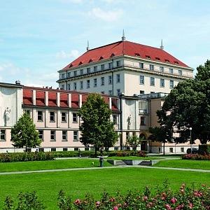 Areál ministerstev Pod Emauzy, dnes v nich sídlí Ministerstvo zdravotnictví a Ministerstvo práce a sociálních věcí.