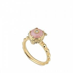 Krásný prstýnek neurazí.