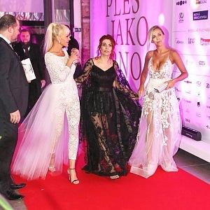 Nela Slováková - šaty Zuzana Lešák Černá, Eva Decastelo