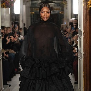 Naomi Campbell na Couture SS19