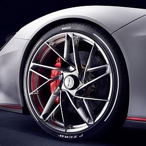 Pininfarina Battista, detail pneumatika