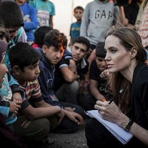 Angelina Jolie na misi