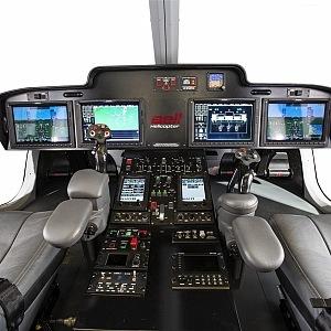 Moderní kokpit luxusní helikoptéry