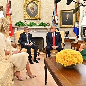 Melania Trump kabát nesundala