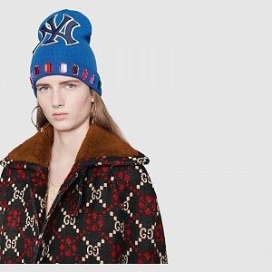 Zimní čepice Gucci.