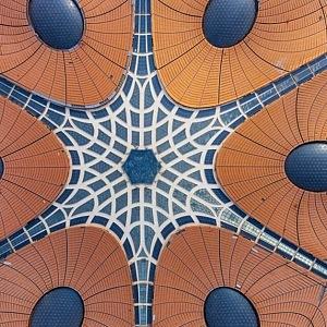 Detail letiště, střecha