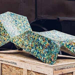 Takové designové kousky najdete v obchodním domě LE BHV MARAIS ve spolupráci s Rossana ORLANDI.Křeslo Alex Chaise Longue, Alessandro Mendini.
