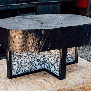 Takové designové kousky najdete v obchodním domě LE BHV MARAIS ve spolupráci s Rossana ORLANDI. Stůl Tronco, Enrico Marone Cinzano