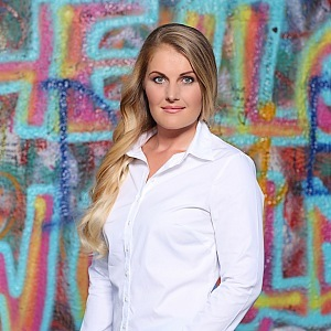 Anna Havlíčková - supermakléřka