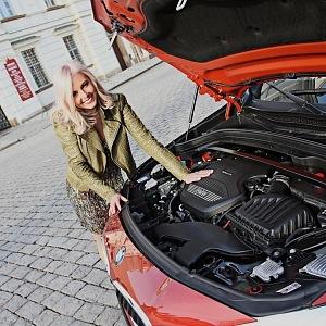 Ladies Fashion Drive: BMW X2