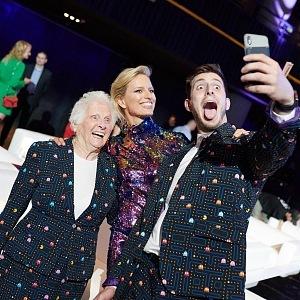 S Rossem Smithem a jeho legrační babičkou.