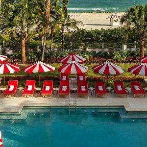 Faena Hotel - swimming pool
