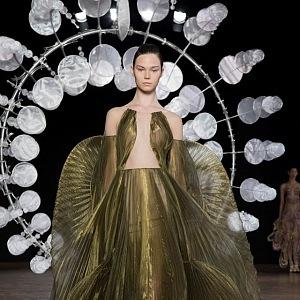 haute couture AW19/20 - kolekce Hypnóza