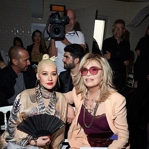 Christina Aguilera a Amanda Lear