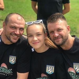 S dcerou chodí často na fotbalové zápasy.