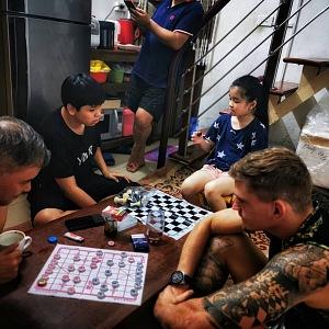 Léta hrál šachy, deskové hry mu nedělají problém.
