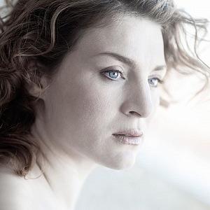 Lenka je krásná žena.