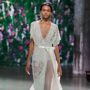 Luxusní šaty od Galie Lahav.