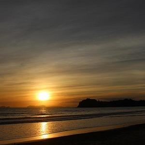 Klong Dao Beach nabízí krásné západy Slunce
