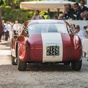Přehlídka historický vozů při jezeře Como