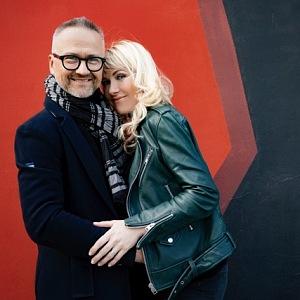S manželem Markem Vrabcem.