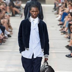 Stylová dovolená s doplňky Louis Vuitton