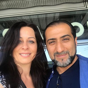 Ali a jeho partnerka.