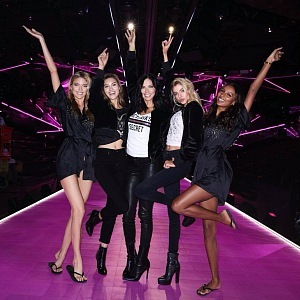 Backstage Victoria's Secret Fashion Show 2018