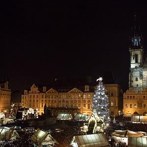 Vánoční strom na Staroměstském náměstí byl rozsvícen!