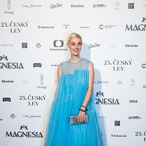 Barbora Poláková - šaty Agáta Seeháková