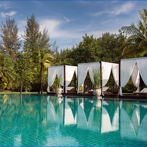 Resort The Sarojin