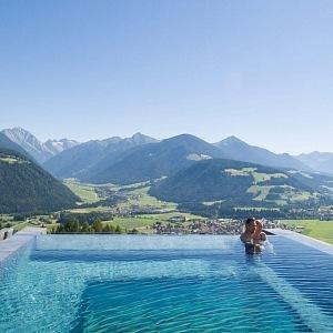 Alpin Panorama Hotel Hubertus and his unique pool