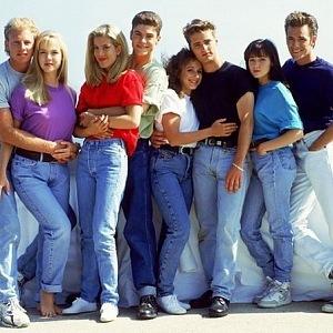 Módu 90. let dokonale zrcadlí Beverly Hills 90210