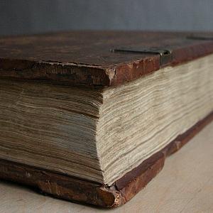 Knihtisk, který vynalezl Johannes Gutenberg, změnil svět.