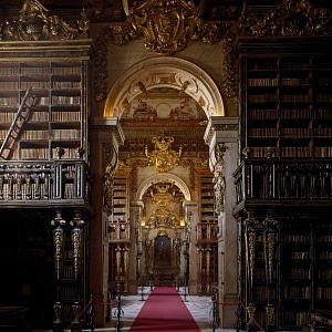 Biblioteca Joanina, Coimbra, Portugalsko, interiér
