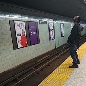 V Torontu se v metru může stát cokoliv.