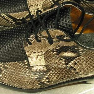 Boty z krajtí kůže