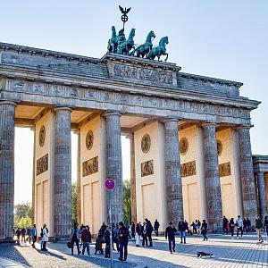 Braniborská brána v Berlíně - cíl mnoha turistů