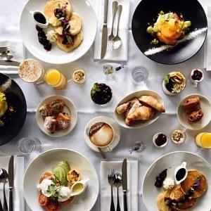 Snídaně v hotelu St. Moritz