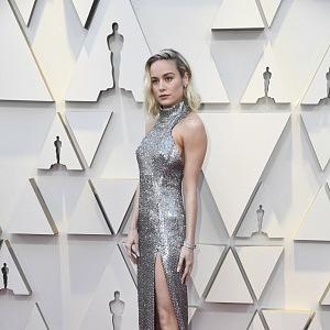 Brie Larson - šaty Celine, šperky Chanel